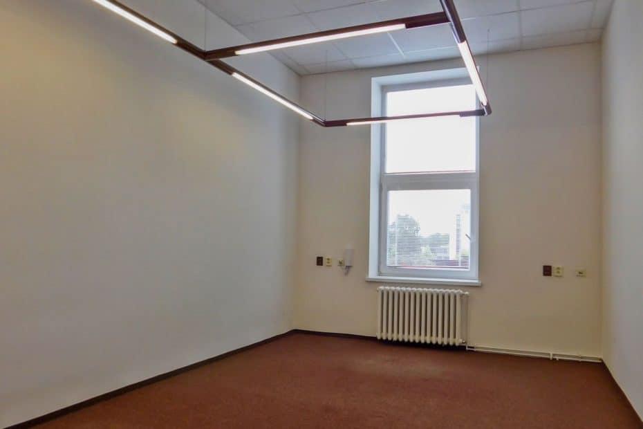 OC Pracák kancelář 213a
