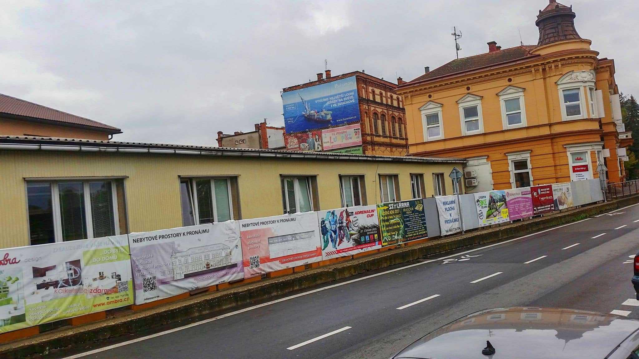 Reklama B ulice Nádražní